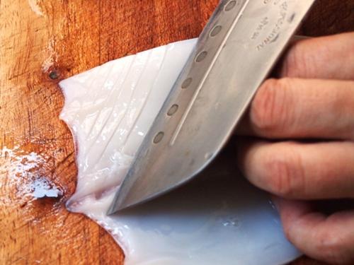 Mực chiên xào tỏi ớt cực đơn giản, dễ làm