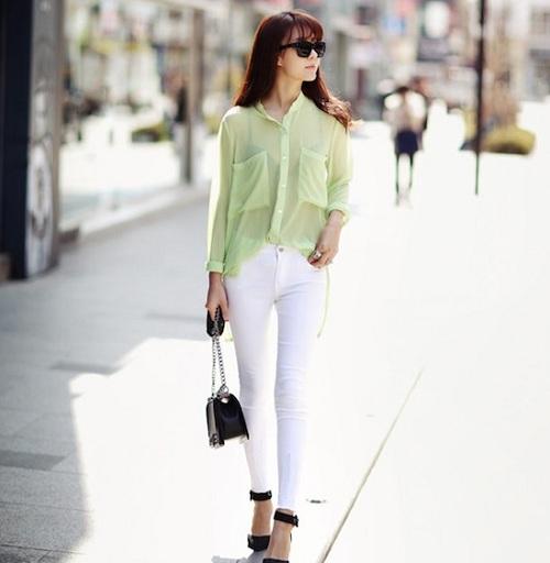 quan-jeans-trang-tinh-khoi-tung-tang-xuong-pho